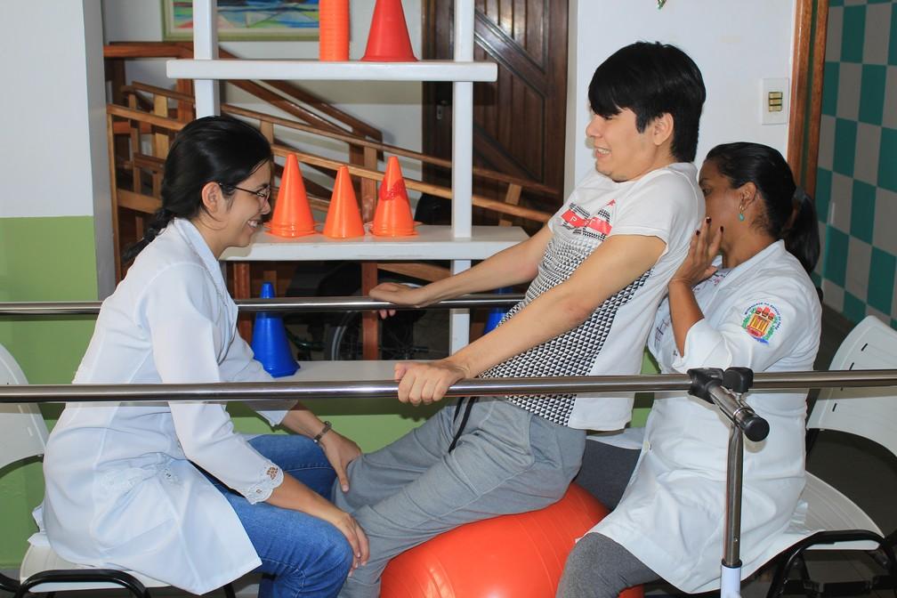 Breno Seade conta com o auxílio de grandes profissionais e já apresentou melhoras significativas na recuperação (Foto: Geovane Brito/G1)