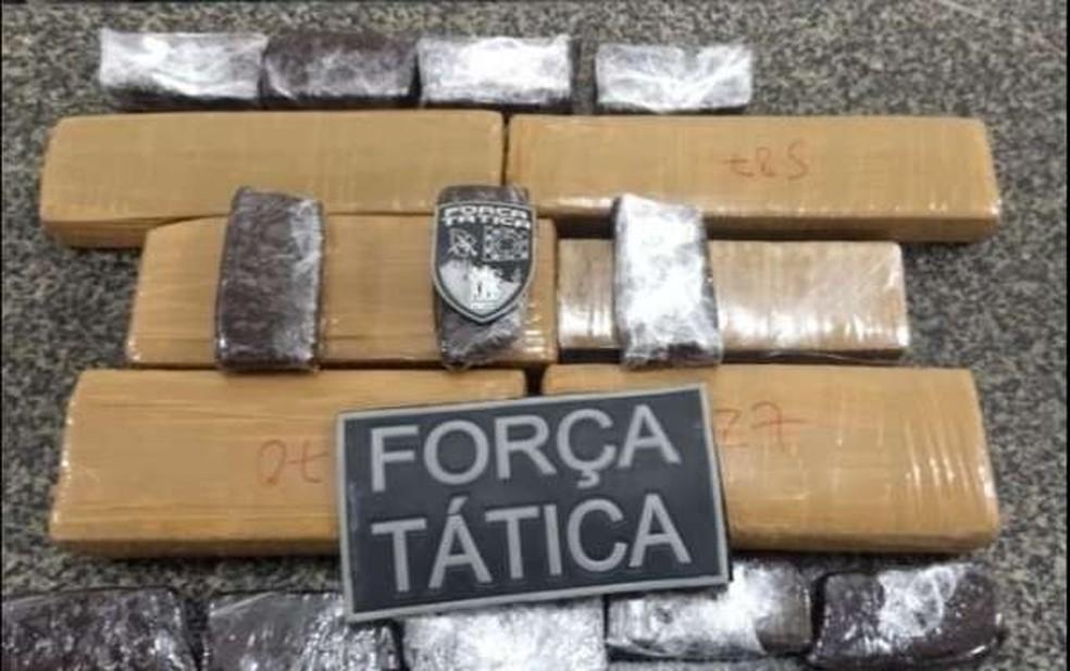 Tabletes de maconha e brownies fabricados com a substância foram apreendidos — Foto: Divulgação/Polícia Civil