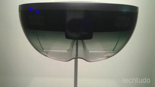 HoloLens da Microsoft entra em pré-venda com Windows 10 e jogos