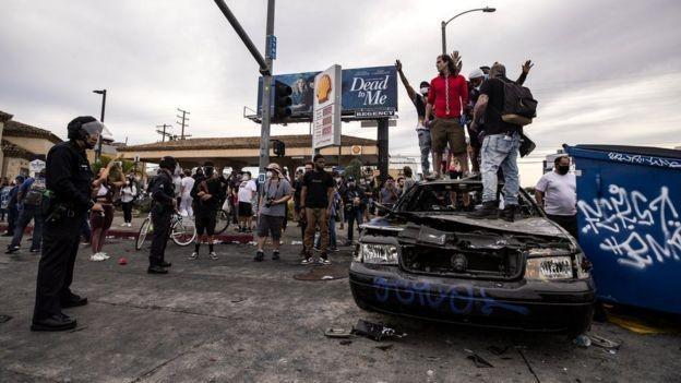 Imprensa de países criticados pelos EUA por suas credenciais democráticas aproveitaram protestos para questionar ações dos país norte-americano (Foto: EPA via BBC News)