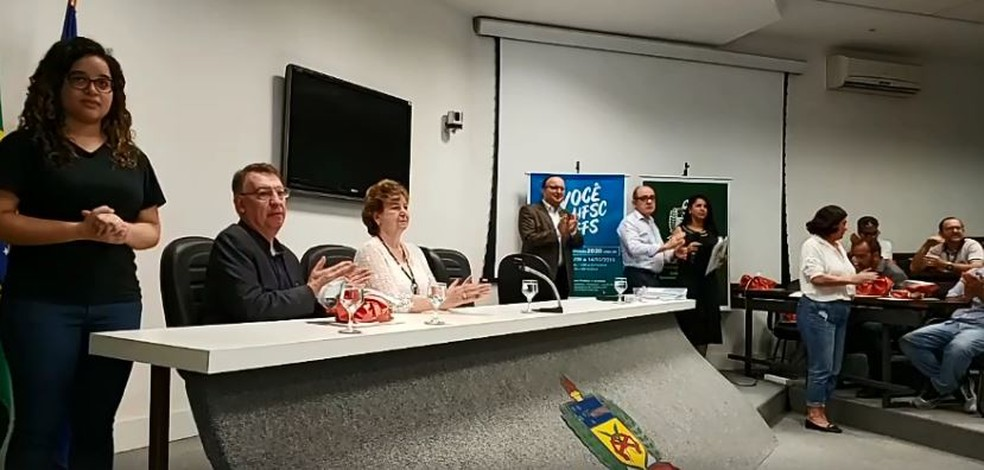 Dez primeiros classificados do concurso participam da solenidade de divulgação na UFSC em Florianópolis — Foto: Reprodução/ Redes sociais