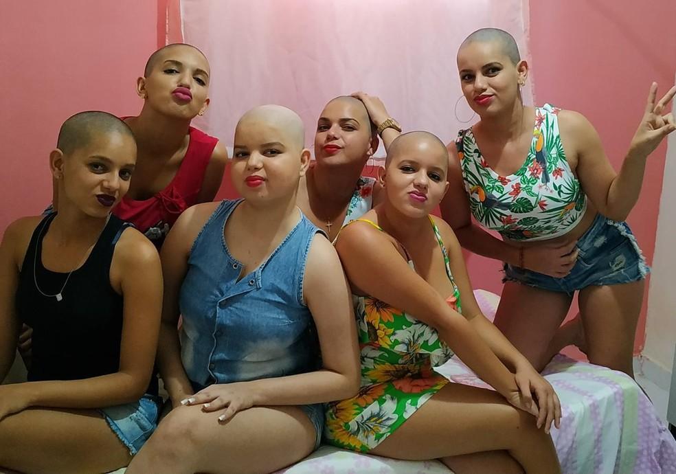 Vitória e as irmãs rasparam o cabelo após diagnóstico de leucemia, na Paraíba — Foto: Reprodução/TV Cabo Branco
