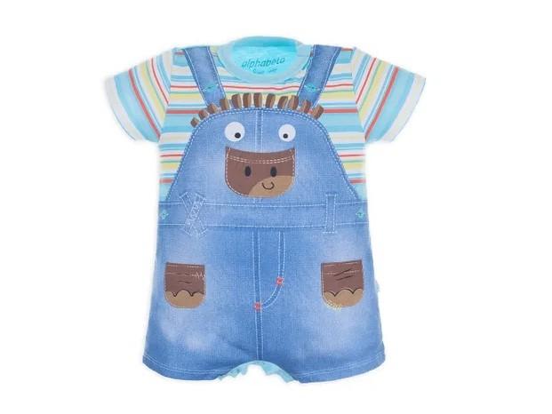 Quem resiste a uma criança bem vestida, de acordo com sua idade? O body Pimpão é 100% algodão, mas simula uma jardineira jeans com blusa listrada. Tamanhos 0 a 3 meses. Alphabeto, R$41,97.  (Foto: Divulgação)