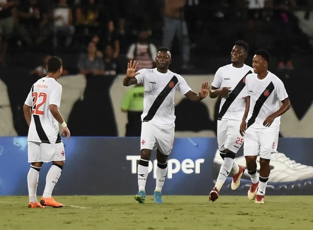 Gol, Riascos, Comemoração, Vasco x Botafogo, Nilton Santos, Campeonato Carioca 2018 (Foto: André Durão/GloboEsporte.com)