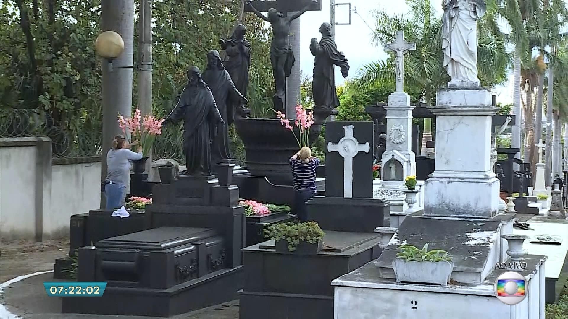 Cemitérios públicos municipais vão abrir as portas para visitantes no Dia de Finados em Belo Horizonte