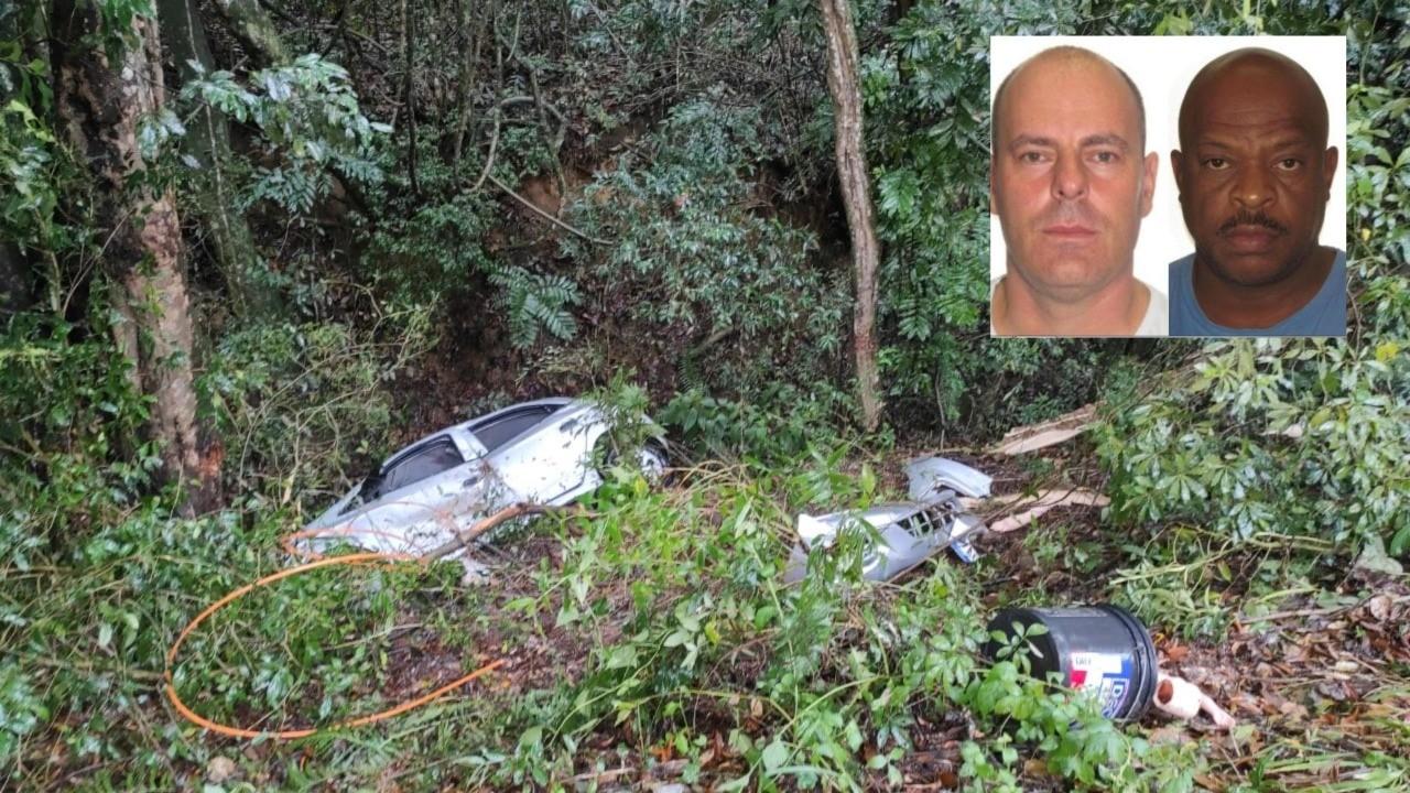 Carro semelhante ao da quadrilha que matou PMs da reserva em tentativa de assalto é achado incendiado