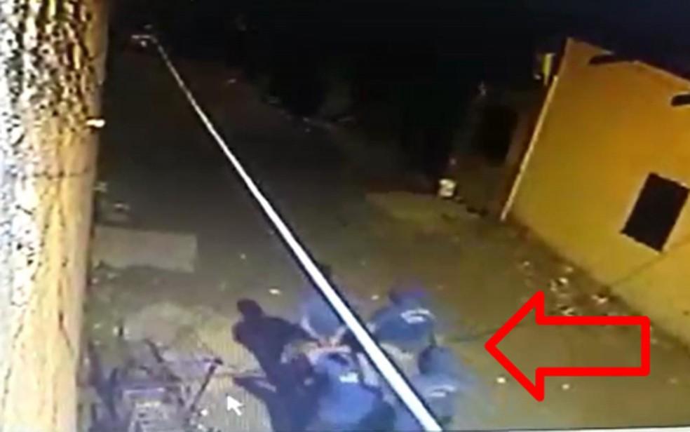 Câmera registrou ação de bandidos em sequestro de comerciante na Zona Sul do Recife (Foto: Reprodução/Polícia Civil)