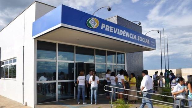 Cerca de 65% dos benefícios pagos pela Previdência equivalem a um salário mínimo (Foto: Divulgação via BBC News Brasil)