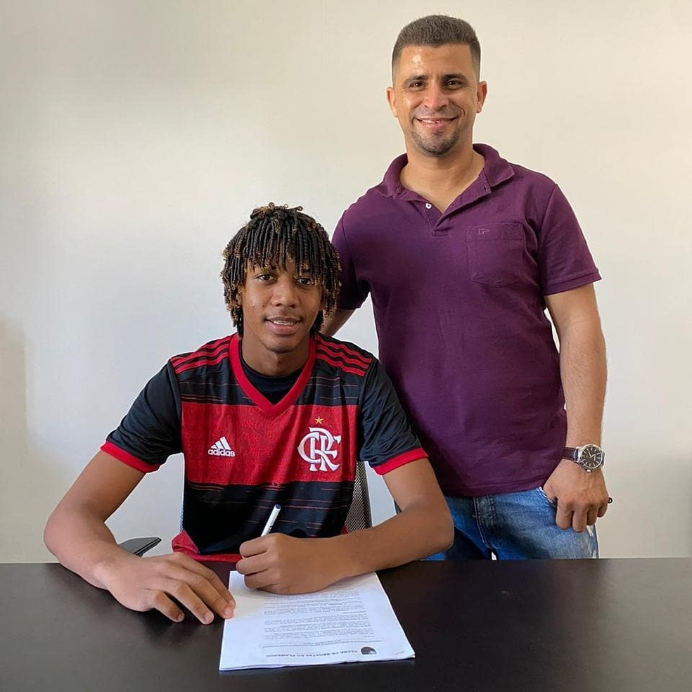 ABC confirma empréstimo de zagueiro de 16 anos ao Flamengo | futebol | ge