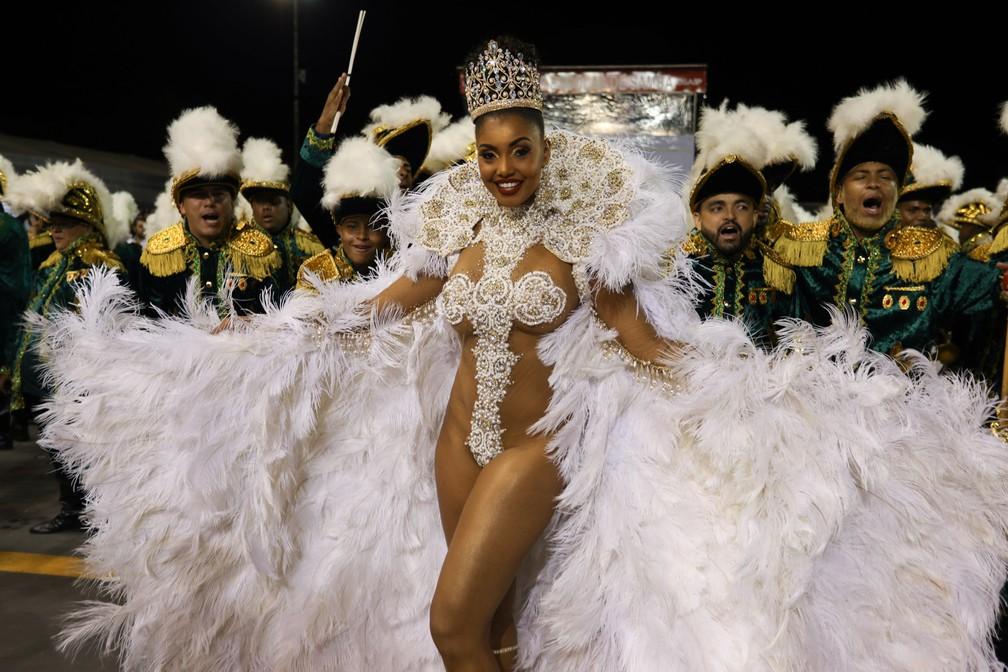 Pâmella Gomes, bailarina do Faustão, é rainha de bateria da Tom Maior (Foto: Marcelo Brandt/G1)