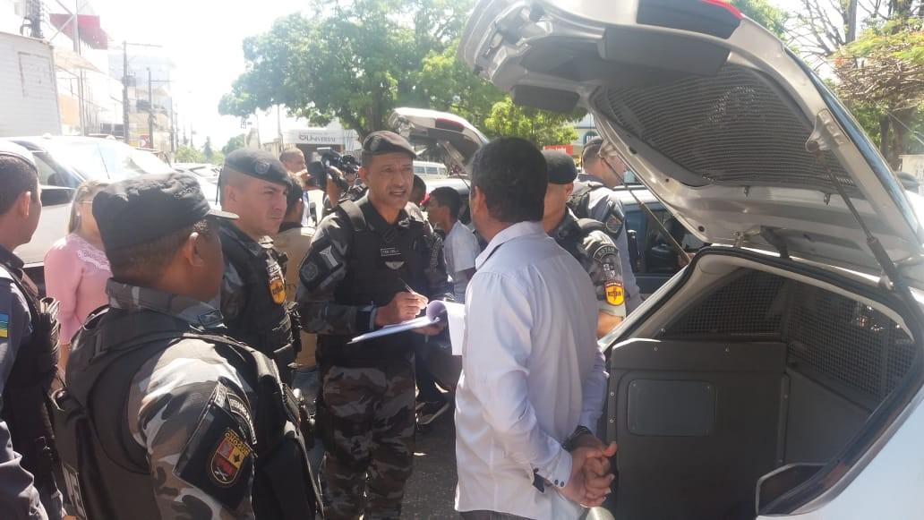 Grupo faz sete reféns durante assalto a farmácia no Centro de Macapá