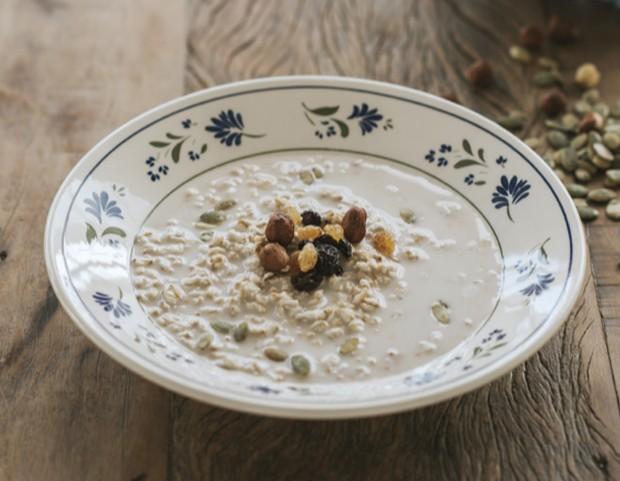 Café da manhã: Mingau de banana com cereais (Foto: Divulgação)