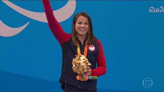 Nadadora que treinava com Phelps já ganhou dois ouros na Paralimpíada