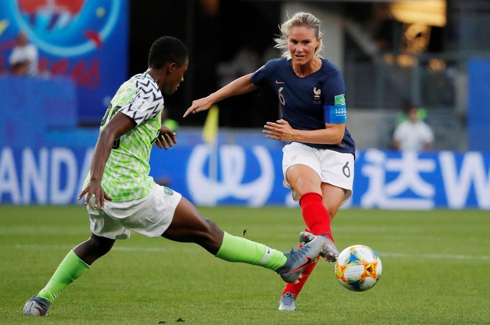 Amandine Henry em ação na Copa do Mundo 2019 — Foto: REUTERS/Stephane Mahe