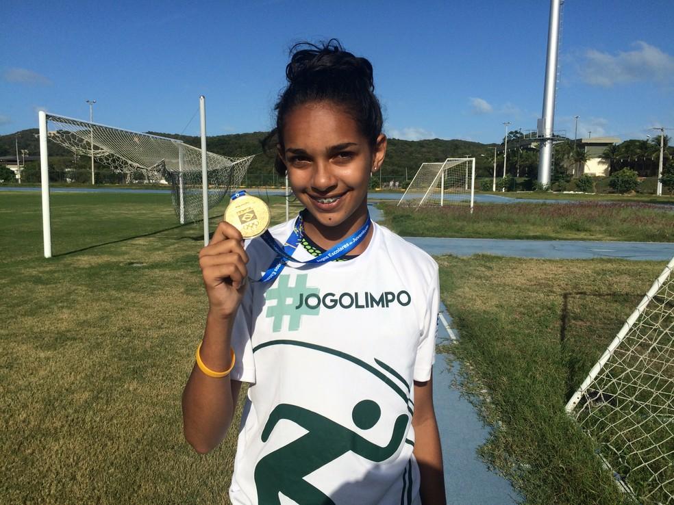 Larissa Dutra ganhou o ouro no pentatlo na etapa nacional dos Jogos Escolares da Juventude (Foto: Hugo Monte/GloboEsporte.com)