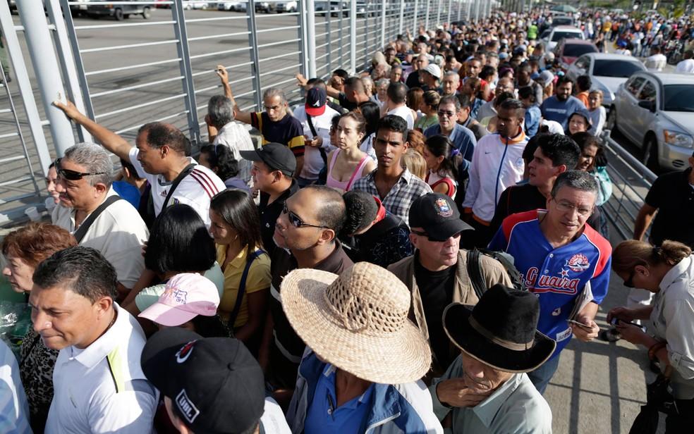 Resultado de imagem para Mais de 8 milhões de venezuelanos participaram de eleição da Constituinte