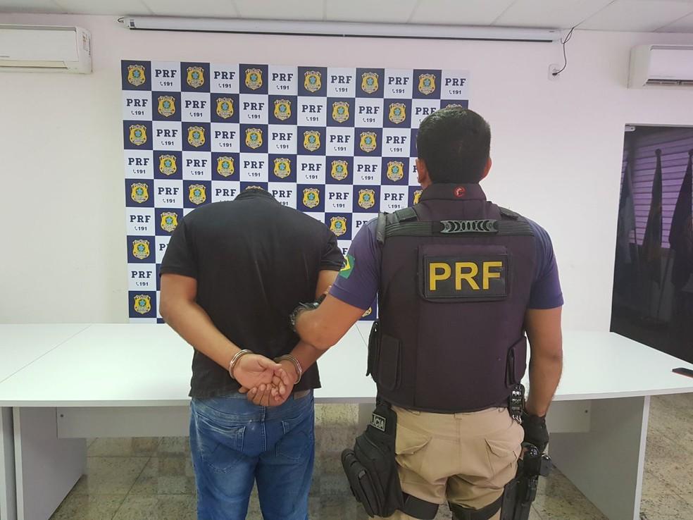 Motorista, de 23 anos, foi preso em flagrante (Foto: Divulgação)