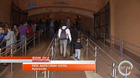 Fiéis aproveitam feriado para antecipar visita ao Santuário Nacional em Aparecida