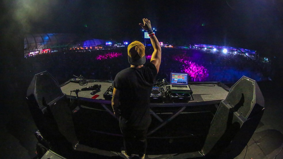 DJ Vintage Culture encerra primeira noite no Planeta Atlântida (Foto: Marcos Nagelstein / Agência Preview )
