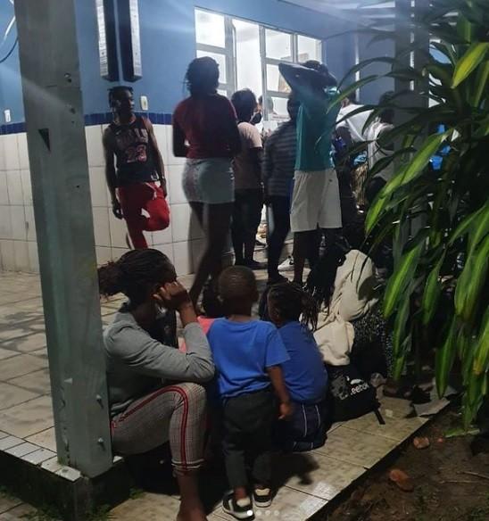 Casal de haitianos desembarcados em Belém é isolado após diagnóstico de Covid-19, diz instituição