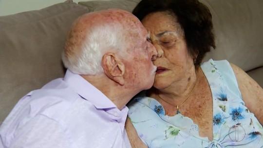 'É o amor da minha vida', diz idoso de 102 anos à mulher durante bodas de brilhante no RJ
