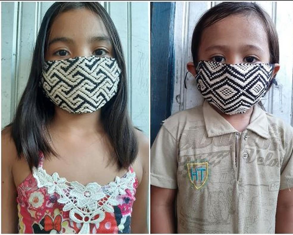 Francisca explica o processo de fabricação das máscaras é todo artesanal e manual — Foto:  Maria do Socorro Hunikuin/Arquivo pessoal