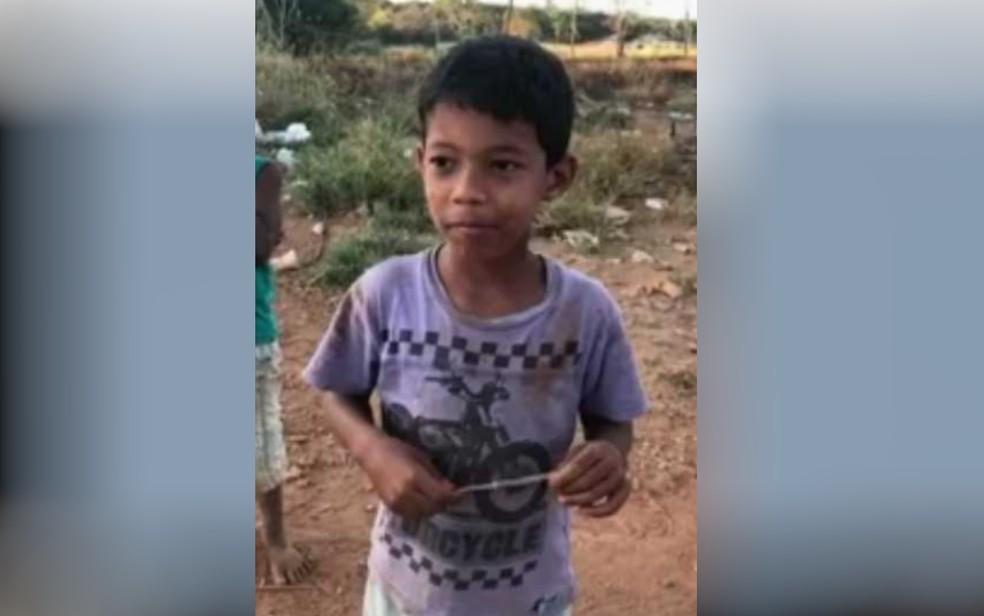 Danilo de Sousa Silva, de 7 anos, é encontrado morto, em Goiânia — Foto: Reprodução/TV Anhanguera