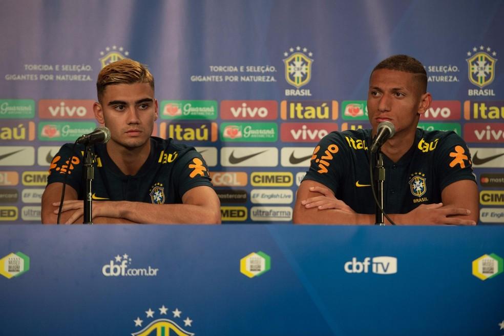 Richarlison e Andreas Pereira coletiva seleção brasileira (Foto: Pedro Martins / MoWA Press)