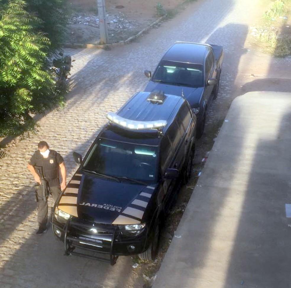 Operação da PF cumpriu mandados de prisão e busca e apreensão em Mossoró e Serrinha dos Pintos, no RN — Foto: Divulgação
