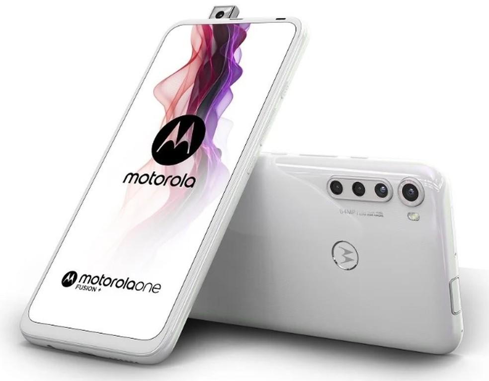 Motorola One Fusion conta com câmera de selfies deslizante — Foto: Divulgação/Motorola
