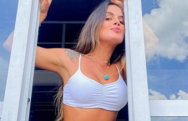 Carol Peixinho colocou silicone nos seios (Foto: Reprodução)