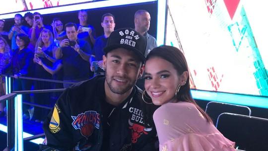 Neymar leva Bruna Marquezine a final de 'The Voice Kids' e declara: 'Sou fã'