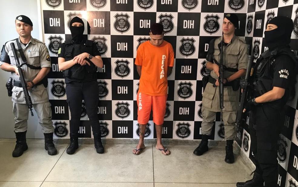 Carlos Vinícius Lima, de 18 anos, preso suspeito de cometer assassinado como 'batismo de facção' — Foto: Vitor Santana/G1