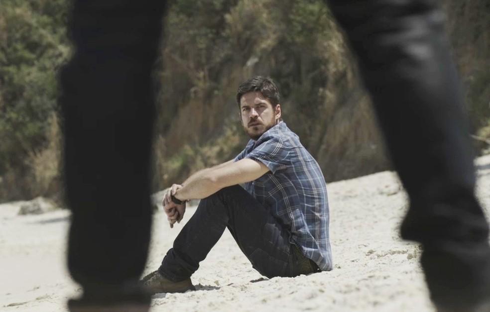 Em 'A Força do Querer', Ruy (Fiuk) vai atrás de Zeca (Marco Pigossi) para acerto de contas — Foto: TV Globo