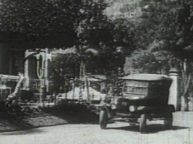 Fotografia mostra São Simão em meados do século XIX (Foto: Reprodução/ETPV)