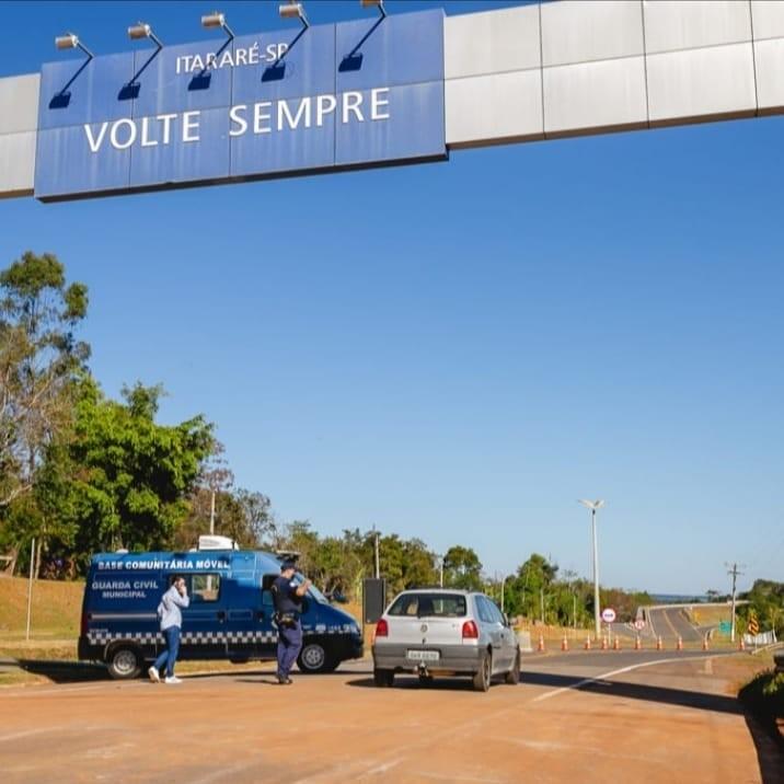 Prefeitura de Itararé libera trânsito de veículos em mais duas saídas da cidade