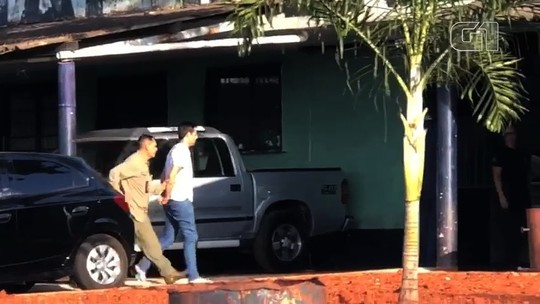 Piloto filmado agredindo namorada é preso em Anápolis