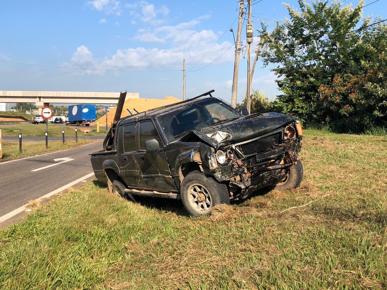 Acidente envolvendo carro da prefeitura deixa motorista em estado grave, em Elias Fausto