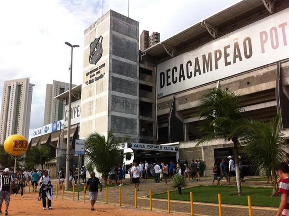 Ônibus ficarão em posto localizado em frente ao Frasqueirão — Foto: Augusto Gomes/GloboEsporte.com