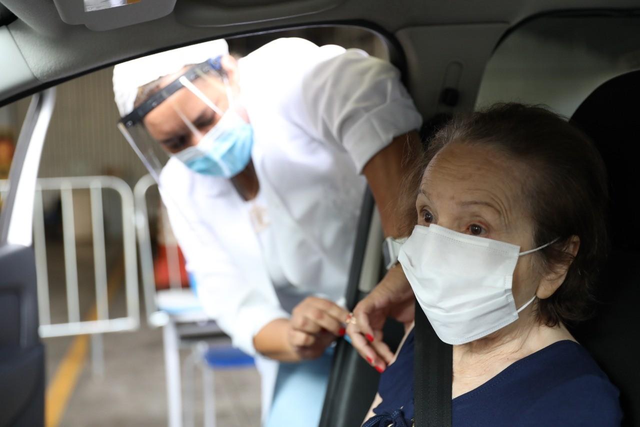 Idosos de 85 a 89 anos receberão a 2º dose da vacina contra Covid nesta sexta-feira (21)