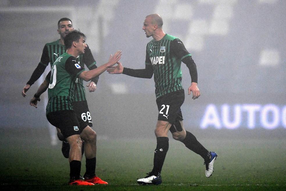 Sassuolo é o único clube da Serie A que tem o primeiro uniforme predominantemente verde — Foto: Alessandro Sabattini/Getty Images