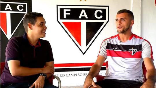 Artilheiro do Brasil, Edson Cariús relembra começo difícil da carreira