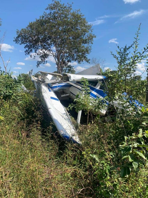Avião fez pouso forçado no Pantanal e duas pessoas ficaram feridas em Mato Grosso — Foto: Divulgação