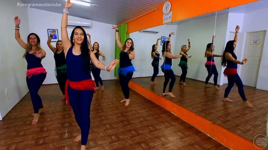 Ana Paula 'Manda Ver' no ritmo da dança do ventre