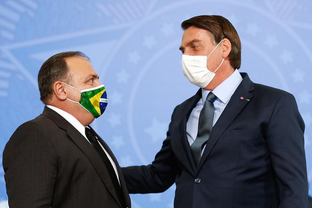 Pazuello e Bolsonaro — Foto: Carolina Antunes/PR