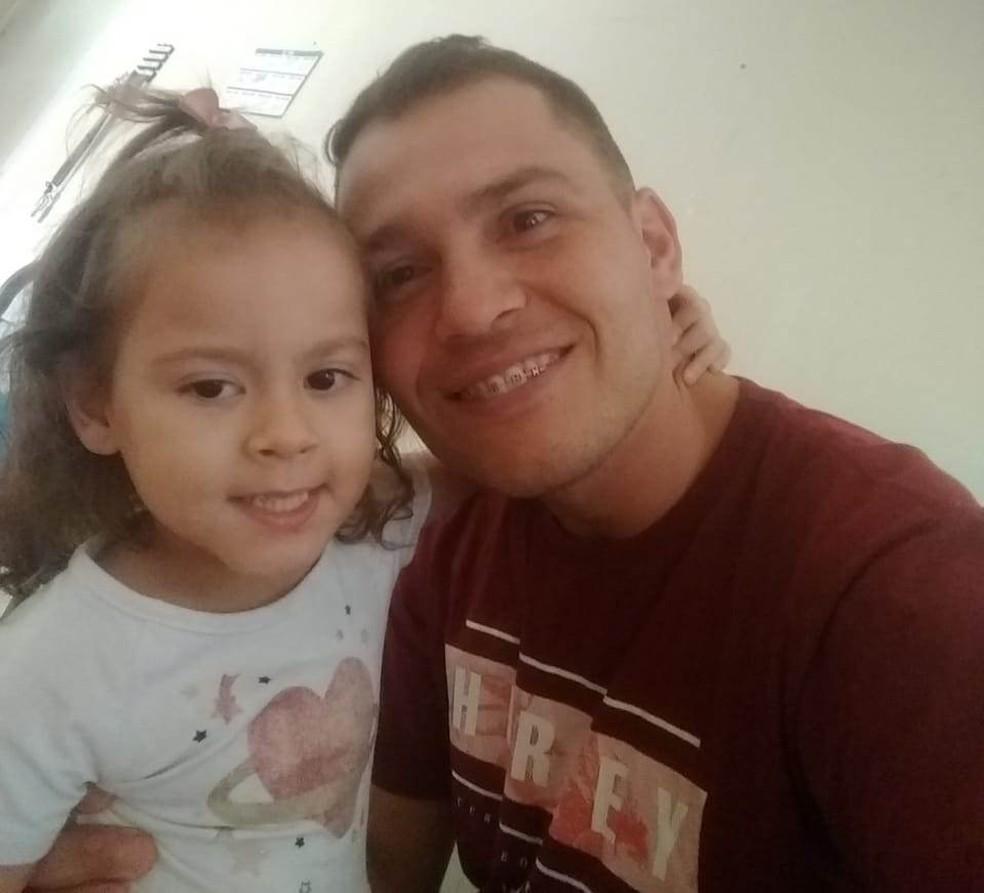 Diego com a filha Rebecca que morreu no dia 23 de outubro, em Jundiaí — Foto: Arquivo Pessoal