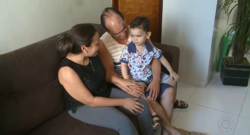 Médico cubano chegou ao Brasil em 2013 e construiu família em Sousa, no Sertão da Paraíba — Foto: Reprodução/TV Cabo Branco