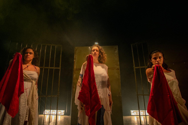 Teatro do Dragão do Mar reabre depois de sete meses fechado com peça sobre mulheres cearenses que lutaram contra a ditadura militar, em Fortaleza