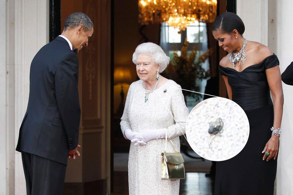 A rainha Elizabeth II recebe o então presidente dos EUA, Barack Obama, e a primeira-dama, Michelle Obama, para jantar na Winfield House, em Londres, em 25 de maio de 2011. No detalhe, broche que o casal deu de presente a ela — Foto: AP Photo/Charles Dharapak, File