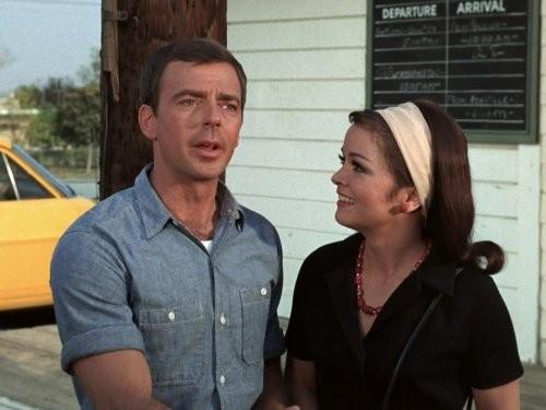Ken Berry e Aneta Corsaut em The Andy Griffith Show (1960) (Foto: Divulgação)